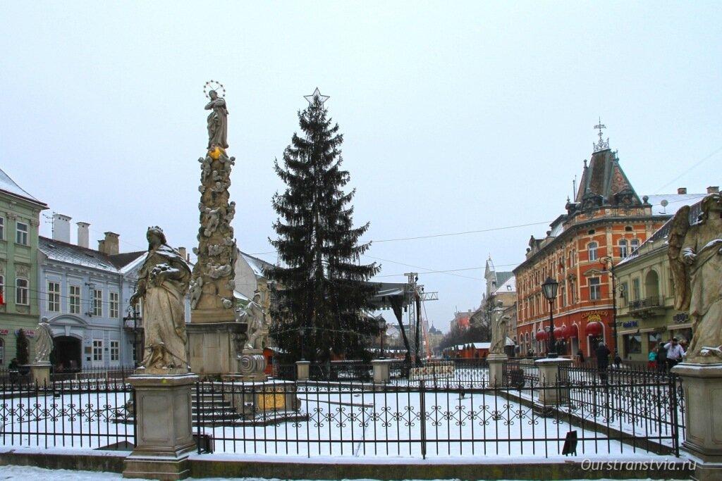Чумная колонна в Кошице на Главной улице, Словакия
