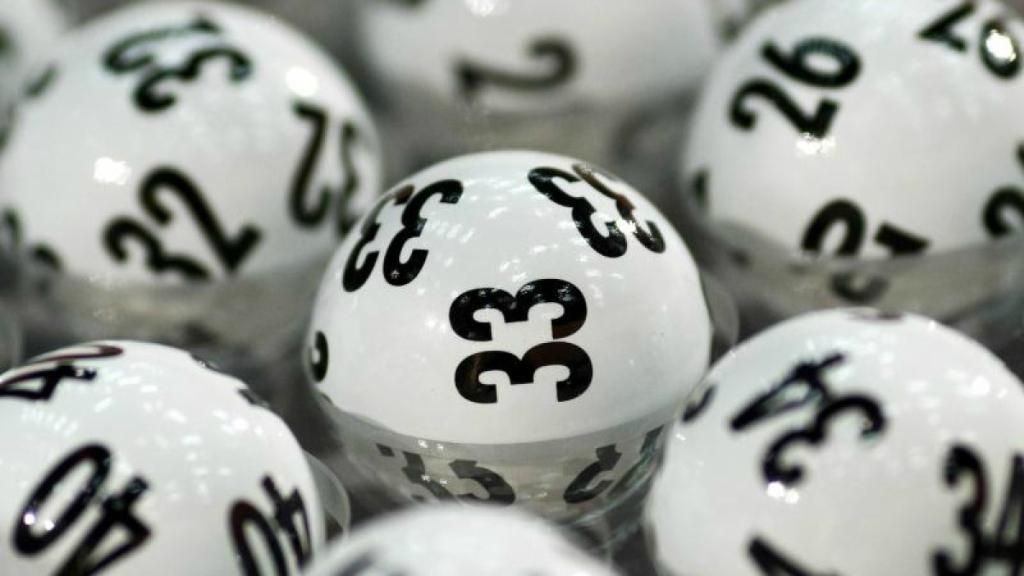 Очередной крупный выигрышь в лотерею. А была ли бабушка ....jpg
