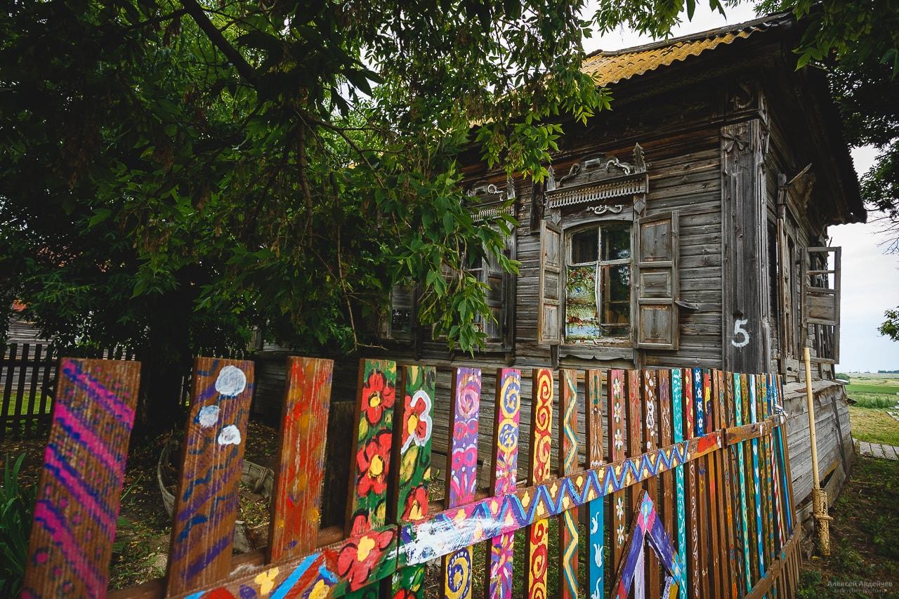 «Дом со львом» (село Поповка, Саратовская область)