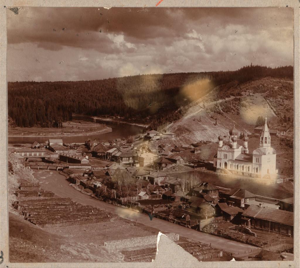 Окрестности Лысьвы. Общий вид пристани Кын. 1912
