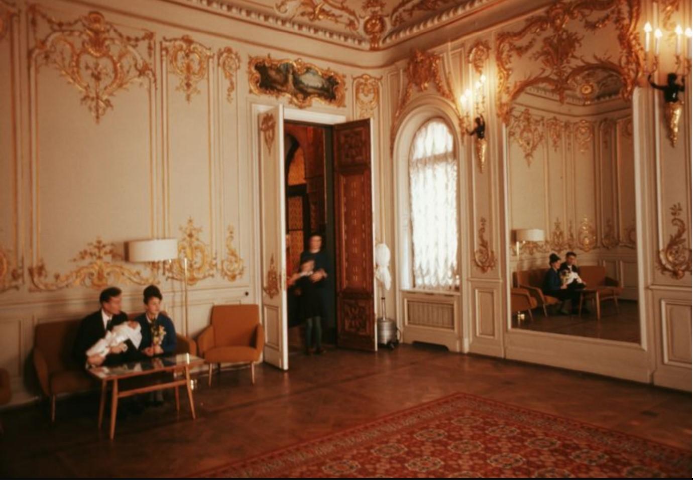 Ленинградский дворец бракосочетания. Регистрация новорожденных
