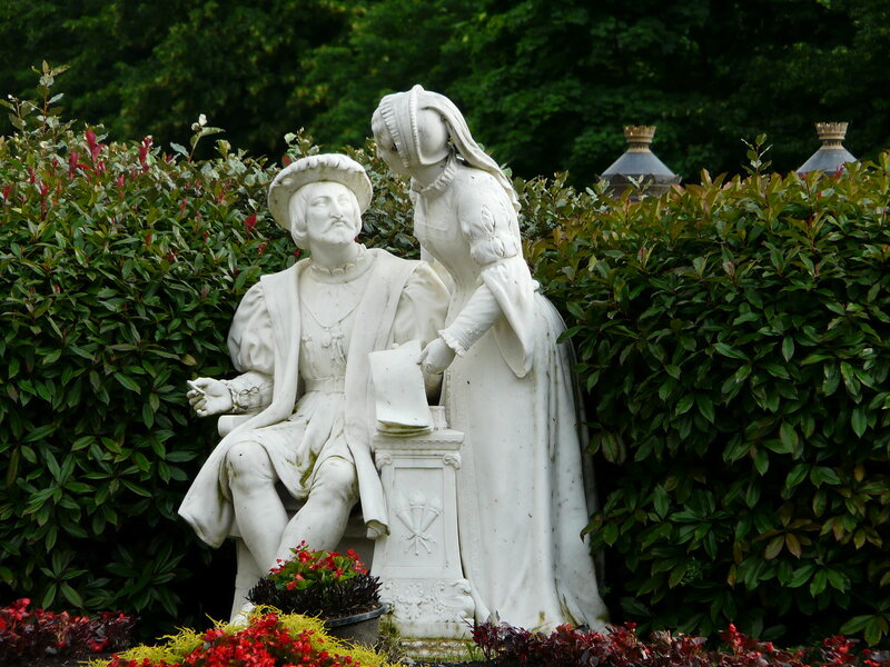 Bagnиres-de-Luchon_statue_Franзois_1er_(3).jpg