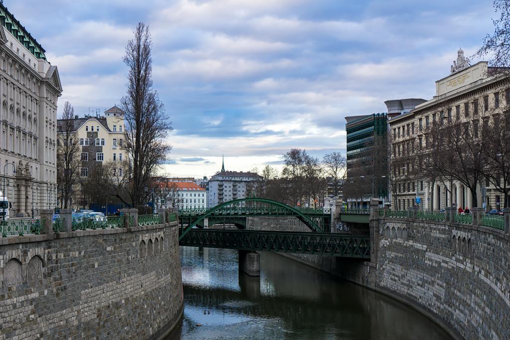 Вена: набережная