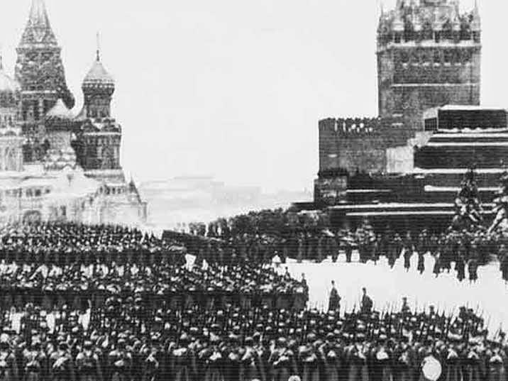 Москва. Парад на Красной площади