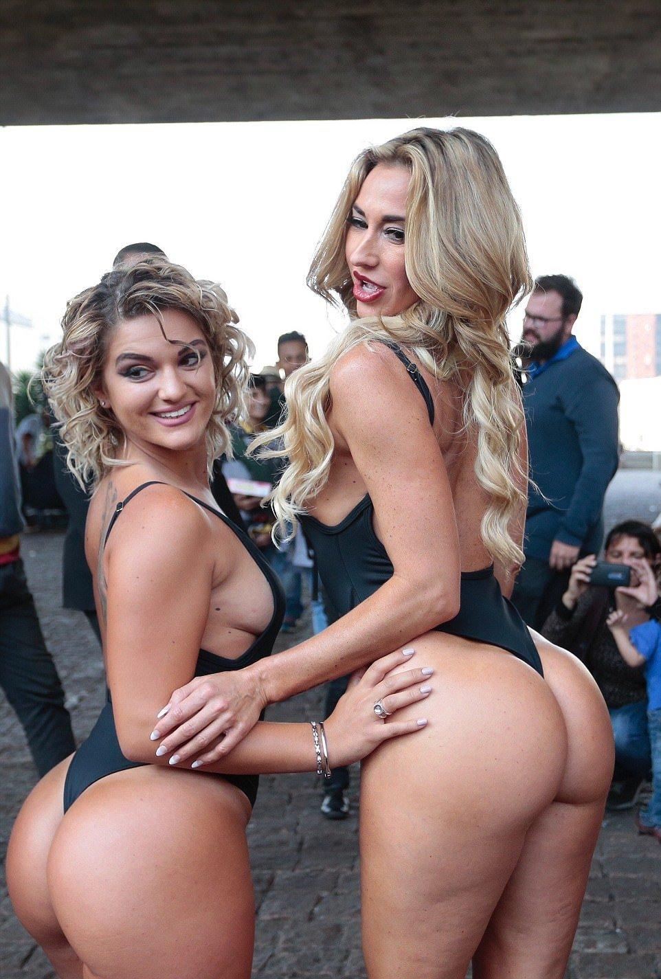 """Конкурсантки """"Мисс Бум-Бум"""" на звание лучшей попы Бразилии, прошлись по улице"""