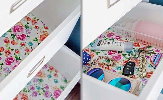 © iheartorganizing     Самоклейка добавит оригинальности вашим шкафчикам.