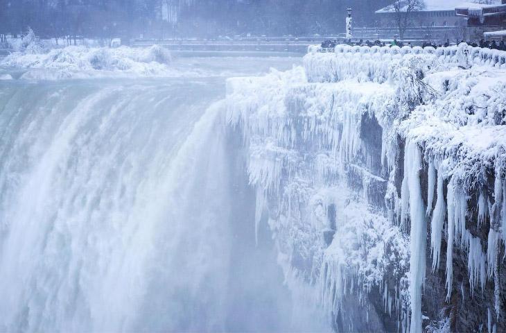 Зимние штормы «Элеонора» и «Грейсон» (33 фото)