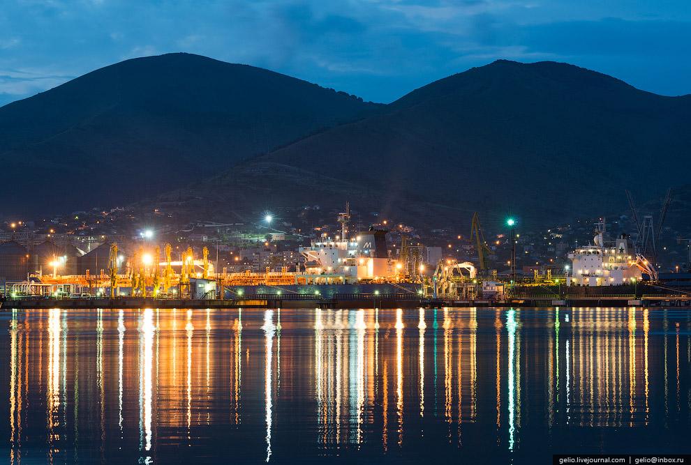 6. Грузооборот группы «Новороссийский морской торговый порт» в 2013 году составил 141 млн тонн.