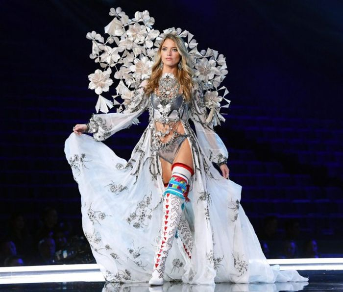 Модный показ Victoria's Secret в Шанхае