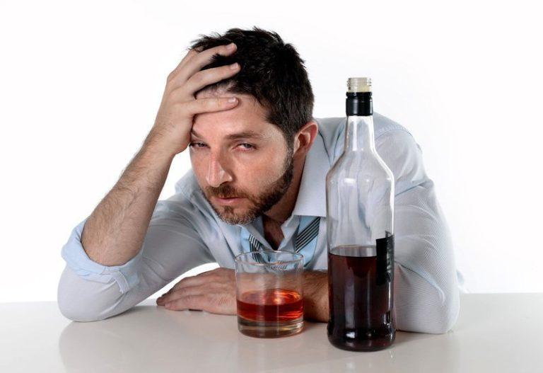 Как можно помочь человеку при алкоголизме