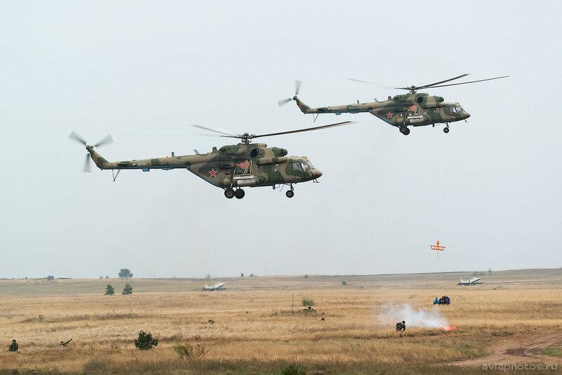 Миль Ми-8МТВ-5 (RF-24775 / 40 красный) ВКС России 0590_D806265