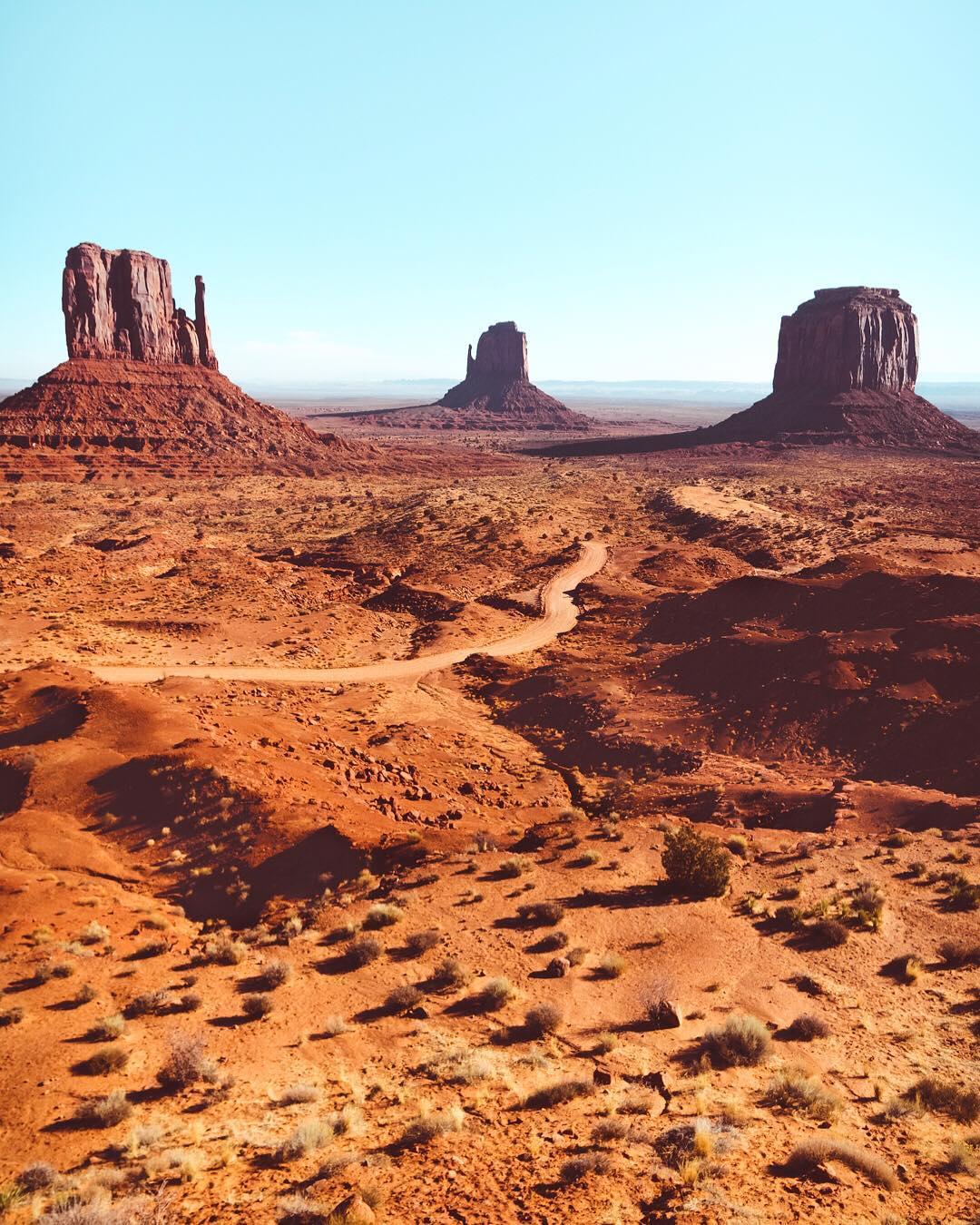 Потрясающие путешествия и приключения Келси Джонсон