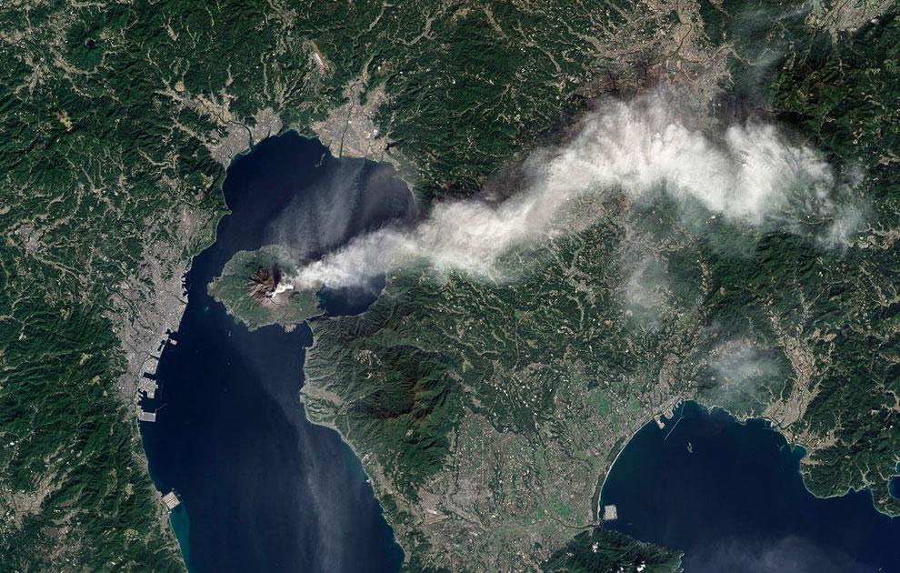 Извержение вулкана Энта — самого высокого действующего вулкана Европы, 23 ноября 2013. Подробне