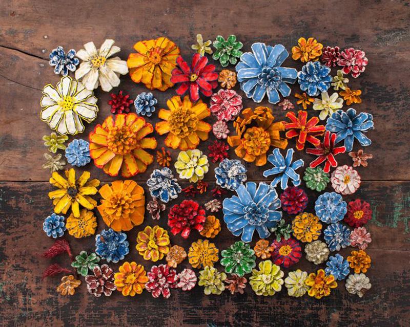 Вот блестящие идеи создания полезных предметов декора для дома и сада из шишек. Просто очаровательно