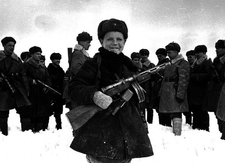 Дети на фронтах Великой Отечественной войны (1 фото)