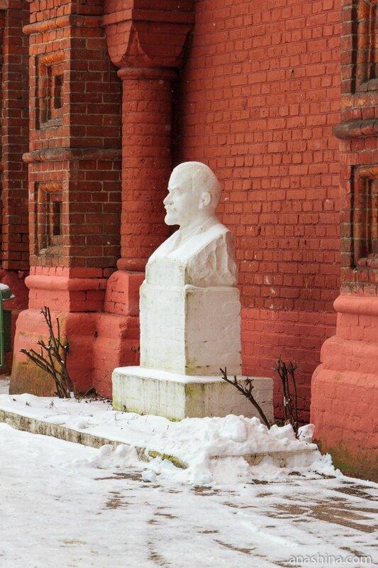 Бюст Ленина, Мытищинская насосная станция.