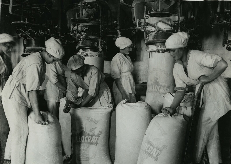 British women millers in Lancashire packing flour