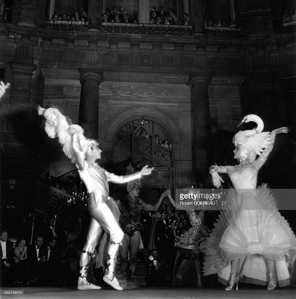 1950. Отель Ламбер. Бал 2 июня. Танец Жана Бабиле и Натали Филипп