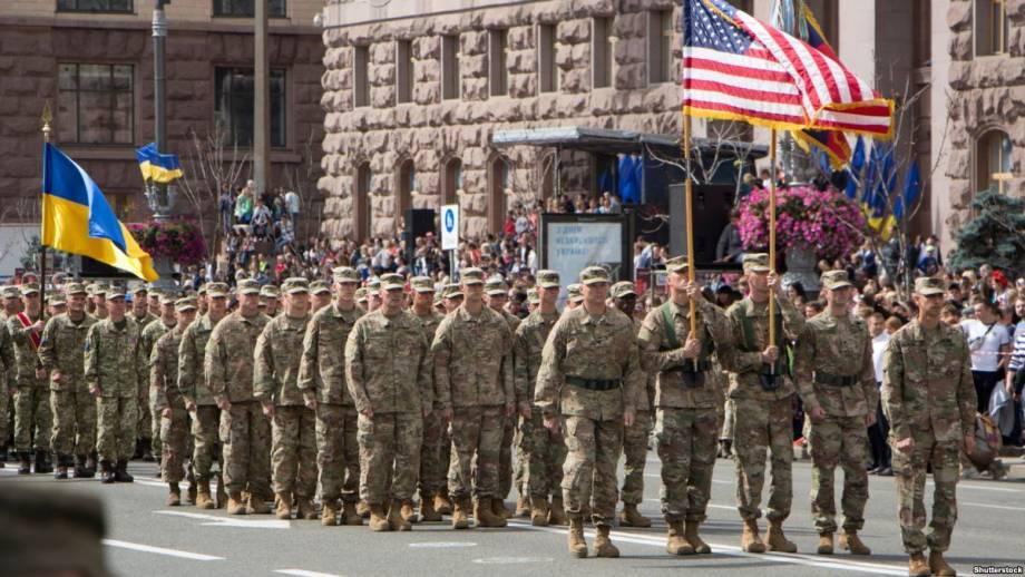 Движение Украины в НАТО раздражает Россию – аналитик
