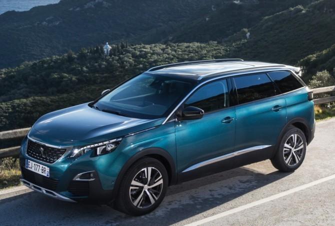 В России начались продажи нового кроссовера Peugeot (Пежо) 5008