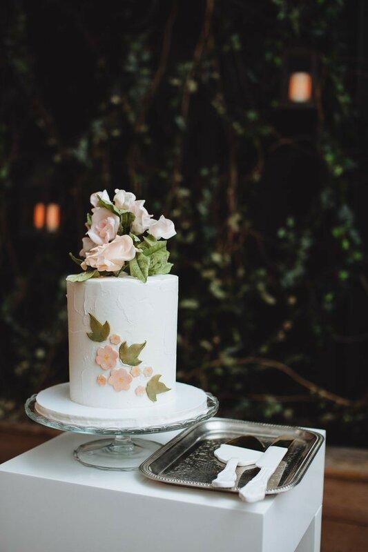 0 178339 f41f99f5 XL - Аппетитные свадебные торты сезона 2017