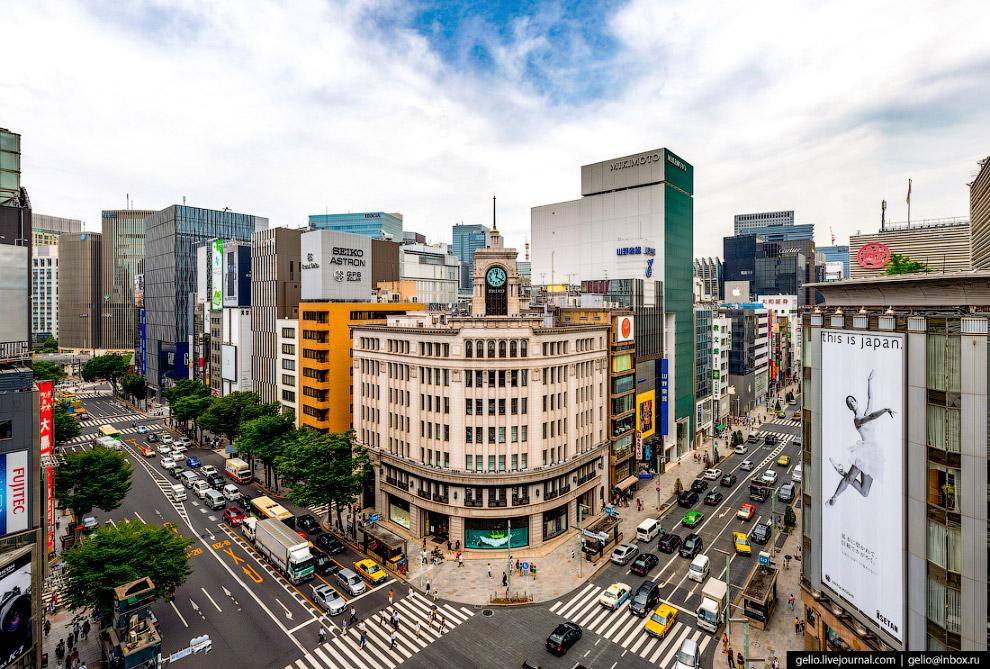 10. Город Токио рос вокруг императорского дворца Кокё. Площадь комплекса с садами превышает 7 квадра