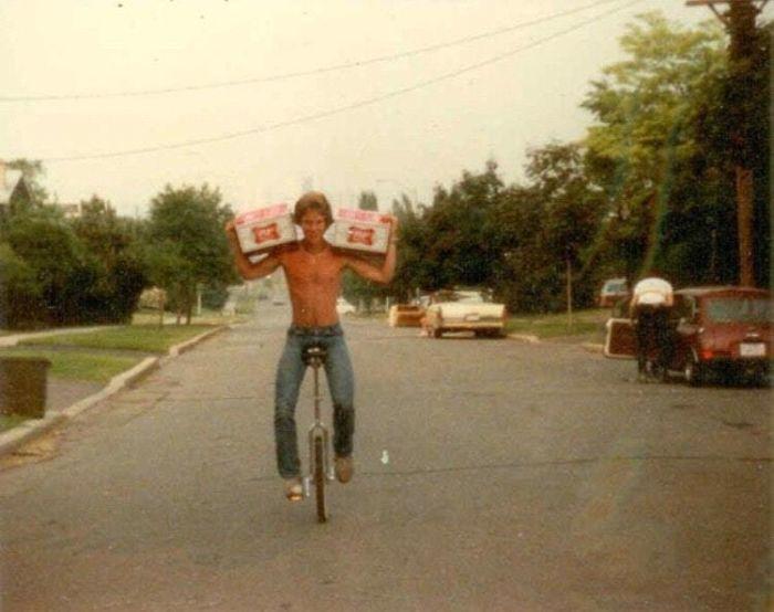 «48 банок пива и уницикл. Мой отец в 80-е».