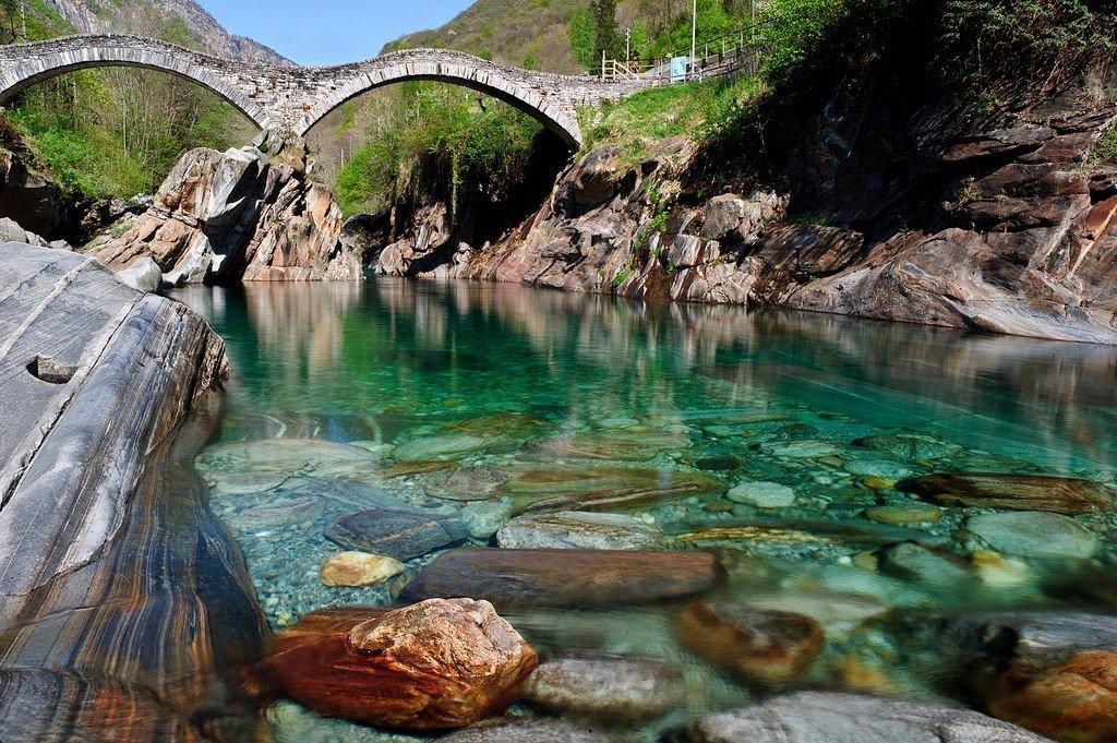 Почему Верзаска — самая прозрачная река в мире? (5 фото)