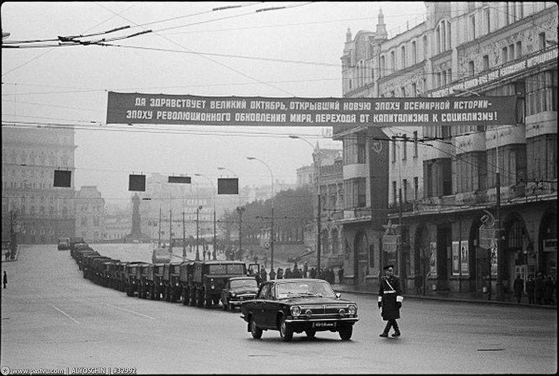 25 эпизодов советской жизни 1970-х от фотографа Владимира Сычева (25 фото)