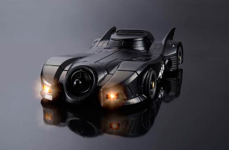 Turn your iPhone into an 80s Batmobile (17 pics)