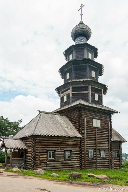 Старо-Вознесенская (Тихвинская) церковь в Торжке
