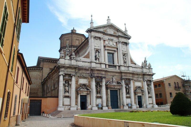 Равенна. От церкви Санта-Мария-ин-Порто до Пьяцца дель Пополо