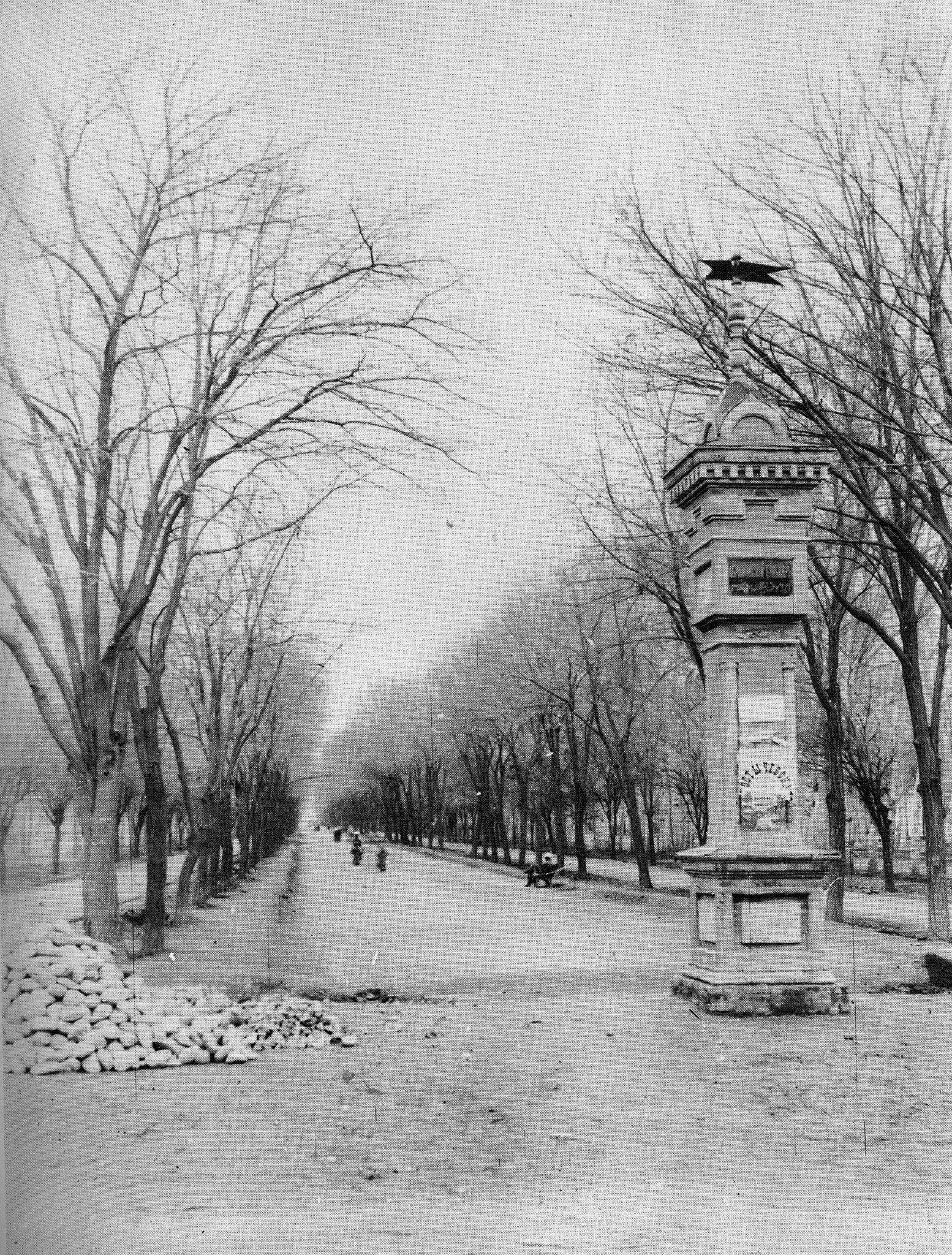 Верстовой столб на Абрамовском бульваре