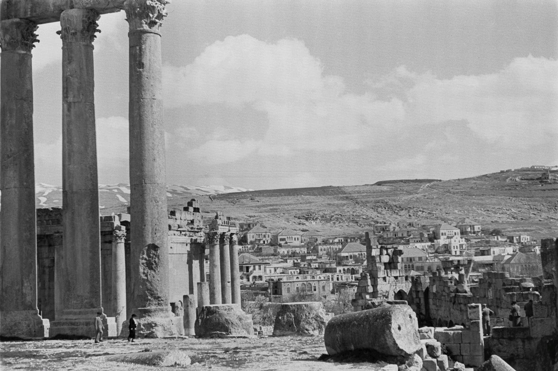 Храмовый комплекс. Вид с руин храма Юпитера на храм Вакха