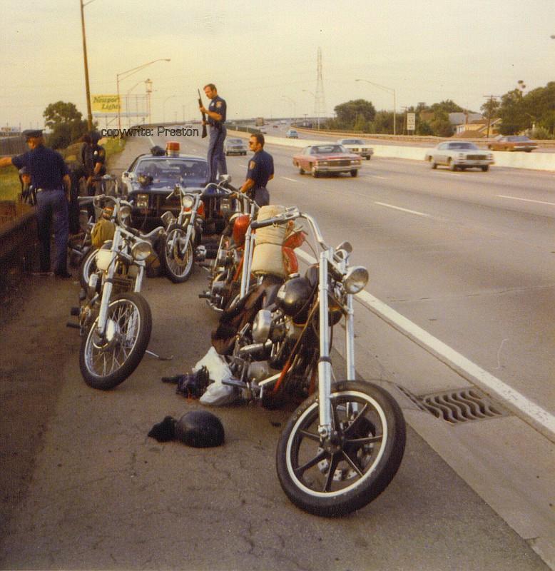 Полицаи. ( 70 фото ) bikerstop76C-vi.jpg