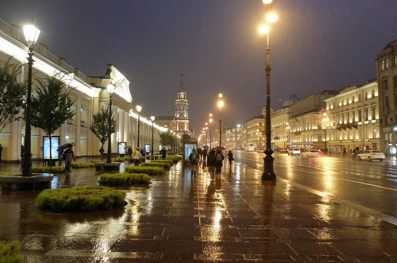 Вечерний дождливый Питер в самом центре