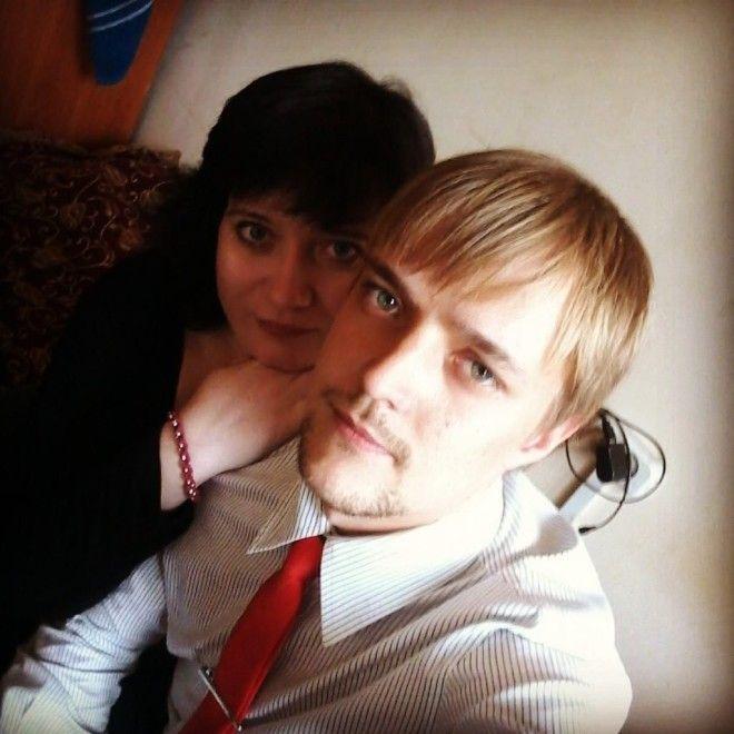 Но новому браку юноши мешает одна мелочь – Зверев-младший пока официально женат на другой. &ld