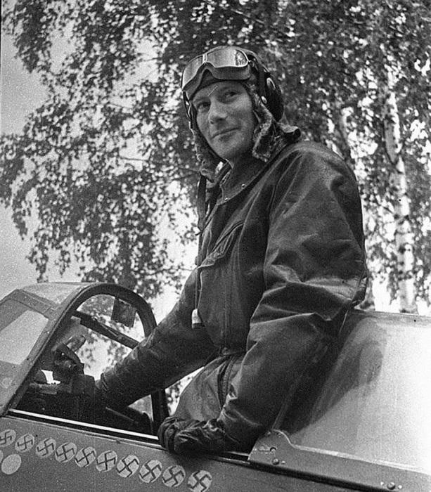 Капитан Альберт Литольд, заместитель командира эскадрильи «Нормандия», сбивший 12 немецких самолетов