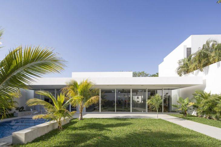 Augusto Quijano Arquitectos   designed this stunning single family residence locate