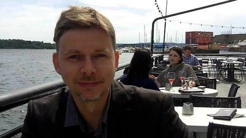 Sven Kaven, Carsten Stolle und Ernst Crameri beim Lunch am Oslofjord.jpg