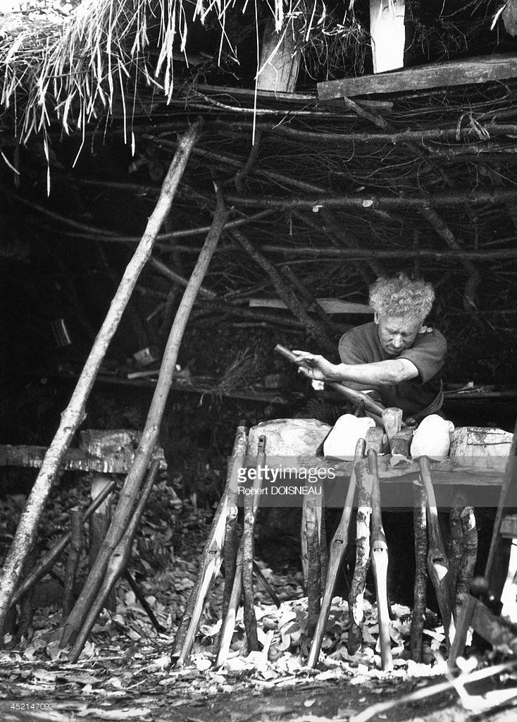 1944. Башмачник в Бретани