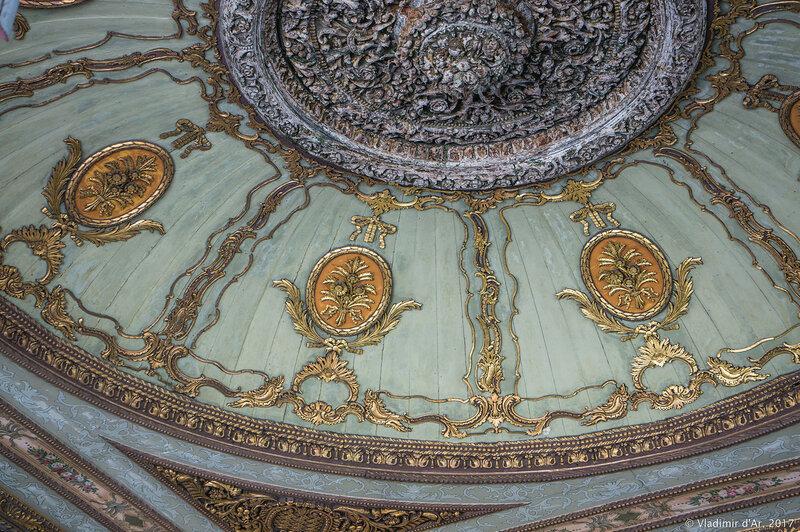 Дворец Топкапы в Стамбуле. Второй двор. Ворота Приветствия Баб-юс Селям (Bab-üs Selam).