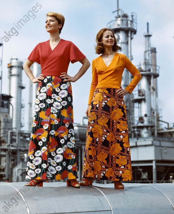 Damenmode/DDR/Wickelbluse/Rцcke/Foto1978 - Ladies Fashion / Wraparound blouse /1978 -