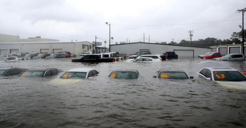 Что будет с машинами-утопленниками после урагана «Харви»