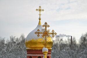 Пущинский храм зимой