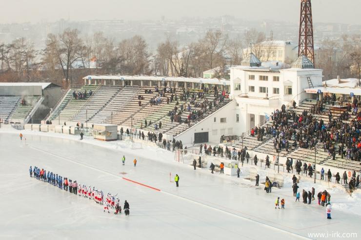 «СКА-Нефтяник» победил «Байкал-Энергию» впервом матче чемпионата России побенди