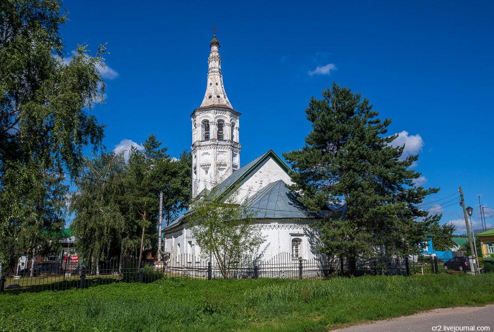 12. И снова колокольня с суздальским шатром. Антипиевская церковь.
