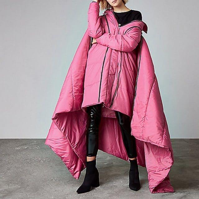 Дизайнеры создали пуховик-одеяло! Главное, не уснуть на ходу!) (5 фото)
