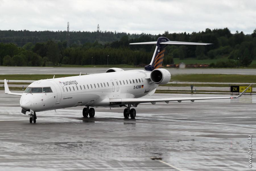 CRJ-900_D-ACNM_Eurowings_2_ARN.JPG