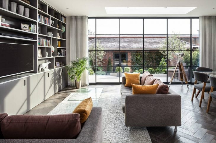 Home in London by EMR Home Design